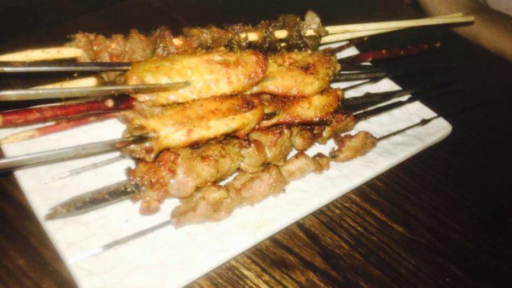烧烤(shāo kǎo)